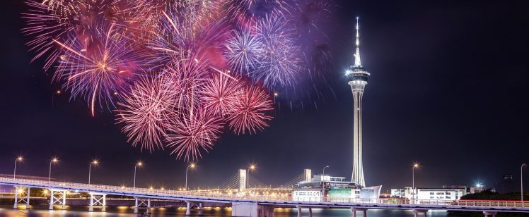 fireworks-1415532_1280