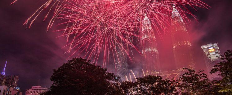 fireworks-3228846_1920